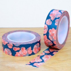 masking tape fleurs rouges fond bleu