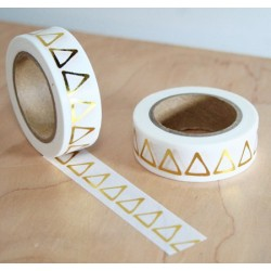 masking tape triangle doré